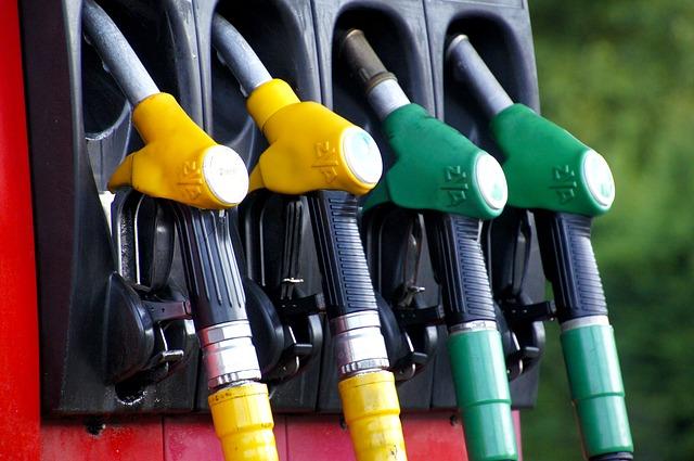 Diesel czy benzyna – zalety obu rozwiązań
