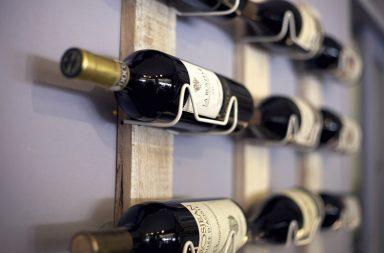 Supermarket czy specjalistyczny sklep – gdzie kupić dobre wino w Warszawie?