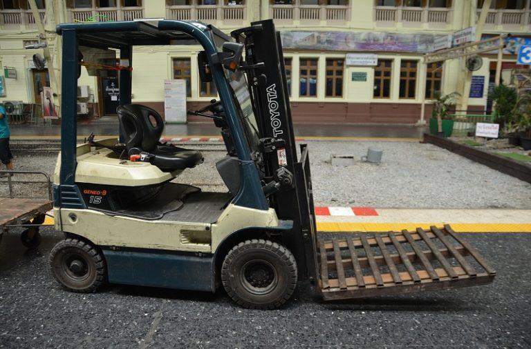 Zawód operatora wózka widłowego